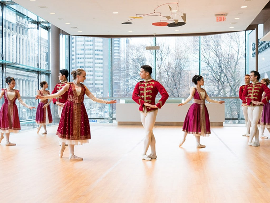 Support Canadas Ballet Jorgen - Fifth Position